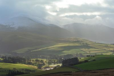 https://imgc.allpostersimages.com/img/posters/farming-village-in-a-sheltered-valley-on-the-fell-above-caldbeck_u-L-PQ8U3H0.jpg?p=0
