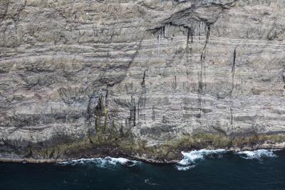 https://imgc.allpostersimages.com/img/posters/faroes-cliffs-rocks-detail_u-L-Q1EYBAR0.jpg?artPerspective=n