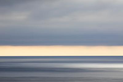 https://imgc.allpostersimages.com/img/posters/faroes-light-mood-sea-heaven_u-L-Q1EY54H0.jpg?artPerspective=n
