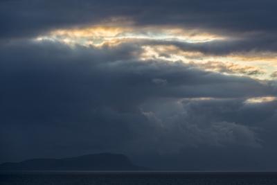 https://imgc.allpostersimages.com/img/posters/faroes-silhouette-arrival-clouds_u-L-Q1EYBID0.jpg?artPerspective=n