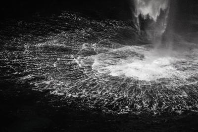 https://imgc.allpostersimages.com/img/posters/faroes-vagar-gasadalur-waterfall_u-L-Q1EYDK10.jpg?artPerspective=n