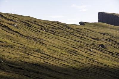 https://imgc.allpostersimages.com/img/posters/faroes-vagar-mountain-landscape-slope_u-L-Q1EYADZ0.jpg?artPerspective=n