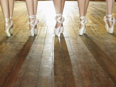 https://imgc.allpostersimages.com/img/posters/feet-of-ballerinas_u-L-PZL48G0.jpg?artPerspective=n