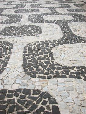 Sidewalk Ipanema by felvas