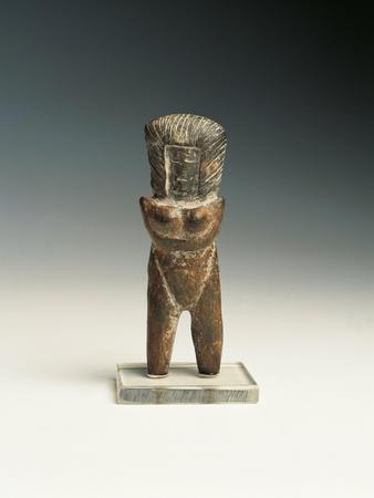 https://imgc.allpostersimages.com/img/posters/female-statuette-from-valdivia-culture-terracotta_u-L-POPH790.jpg?p=0