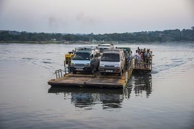 https://imgc.allpostersimages.com/img/posters/ferry-over-the-nile-in-the-murchison-falls-national-park-uganda-east-africa-africa_u-L-PQ8R7N0.jpg?p=0