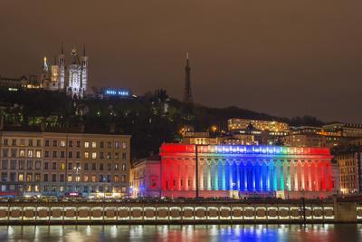 https://imgc.allpostersimages.com/img/posters/fete-des-lumieres-festival-of-lights-laser-show_u-L-PWFM0C0.jpg?p=0