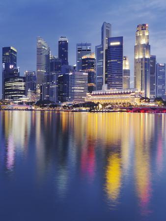 https://imgc.allpostersimages.com/img/posters/finacial-district-downtown-marina-bay-singapore_u-L-Q11YEVU0.jpg?p=0