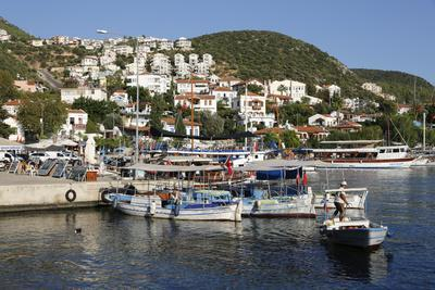 https://imgc.allpostersimages.com/img/posters/fishing-boats-in-harbour-kas-lycia_u-L-PWFG8V0.jpg?artPerspective=n