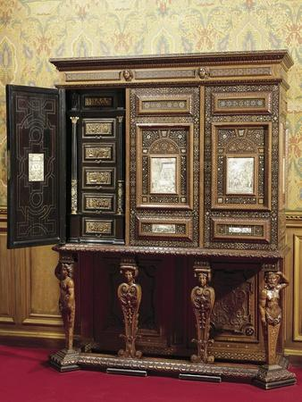 https://imgc.allpostersimages.com/img/posters/florentine-furniture-inlaid-with-mother-of-pearl-and-ivory-italy_u-L-POP9DC0.jpg?p=0