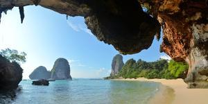 Clear Water, Blue Sky at Cave Beach, Krabi Thailand by Florian Bl?mm