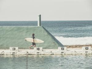 Solo Surf by Florian Schleinig