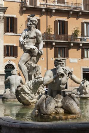 https://imgc.allpostersimages.com/img/posters/fontana-del-moro-by-bernini-piazza-navona-rome-lazio-italy_u-L-PWFBLW0.jpg?p=0