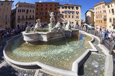 https://imgc.allpostersimages.com/img/posters/fontana-del-nettuno-fountain-of-neptune-piazza-navona-rome-lazio-italy-europe_u-L-PQ8PWZ0.jpg?artPerspective=n