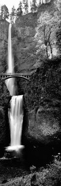 Footbridge in Front of a Waterfall, Multnomah Falls, Columbia River Gorge, Multnomah County