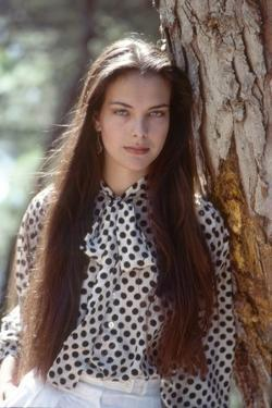 FOR YOUR EYES ONLY, 1981 directed by JOHN GLEN Carole Bouquet (photo)