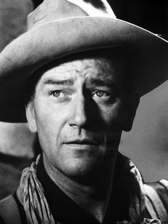 https://imgc.allpostersimages.com/img/posters/fort-apache-1948-directed-by-john-ford-john-wayne-b-w-photo_u-L-Q1C3T3M0.jpg?artPerspective=n