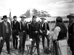 FORT APACHE, 1948 directed by JOHN FORD Victor McLaglen, John Wayne and Henry Fonda (b/w photo)