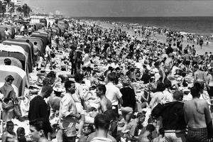 Fort Lauderdale Beach Crowded with Spring Breakers, 1964
