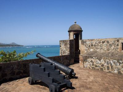https://imgc.allpostersimages.com/img/posters/fort-of-san-felipe-puerto-plata-dominican-republic-west-indies-caribbean-central-america_u-L-P7IZIO0.jpg?p=0