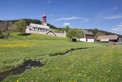 https://imgc.allpostersimages.com/img/posters/fortified-church-urach-urachtal-black-forest-baden-wurttemberg-germany_u-L-Q1EY5N20.jpg?artPerspective=n