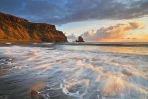 United Kingdom, Uk, Scotland, Inner Hebrides, Isle of Skye, Talisker Bay by Fortunato Gatto
