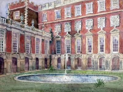 Fountain at Hampton Court Palace
