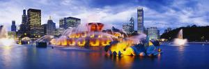 Fountain Lit Up at Dusk, Buckingham Fountain, Grant Park, Chicago, Illinois, USA