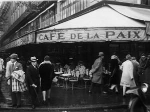 Cafe De La Paix by FPG