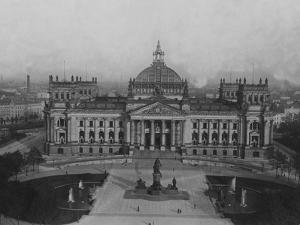 The Reichstag Building by FPG