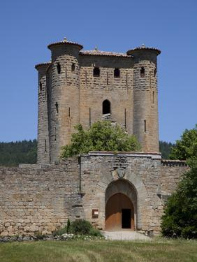France, Arques Castle, Donjon (Keep) and Gate