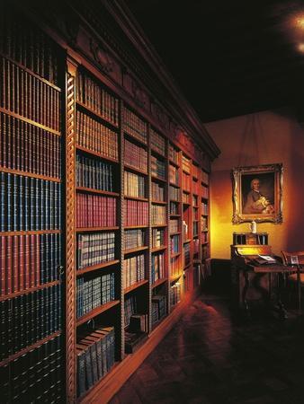 https://imgc.allpostersimages.com/img/posters/france-chateau-de-chatillon-en-bazois-library-interior_u-L-POPN1Y0.jpg?p=0