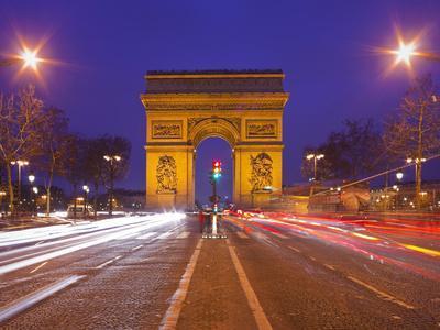 https://imgc.allpostersimages.com/img/posters/france-paris-arc-de-triomphe-lighting-evening_u-L-Q11YGFL0.jpg?p=0