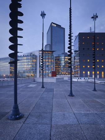https://imgc.allpostersimages.com/img/posters/france-paris-la-defense-high-rises-le-basin-de-takis-sculptures_u-L-Q11YSC90.jpg?p=0