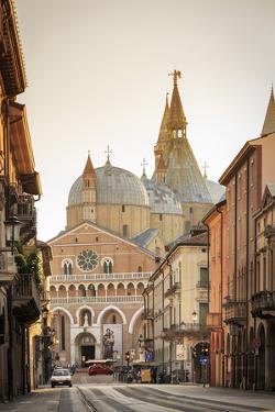Italy, Italia. Veneto. Padova district. Padua, Padova. Basilica of St Anthony, Basilica di Sant'Ant by Francesco Iacobelli