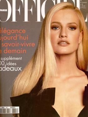 L'Officiel, December 1995 - Karen Mulder dans une Robe Yves Saint Laurent by Francesco Scavullo