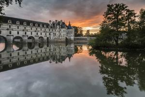Chenonceau castle reflected in the Loire at sunset, UNESCO World Heritage Site, Chenonceaux, Indre- by Francesco Vaninetti