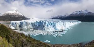 Southern terminus of Perito Moreno glacier, Lago Argentino and mountains, Argentina by Francesco Vaninetti