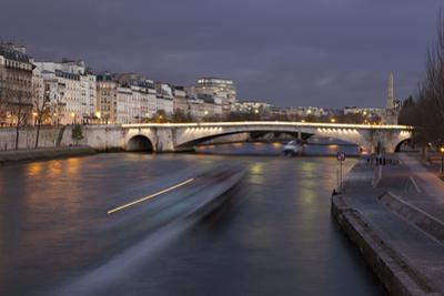 Bridge of La Tournelle, Paris, France by Francisco Javier Gil
