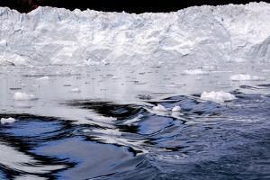 Iceberg and Waves in Greenland by Françoise Gaujour