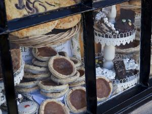 Bakewell Pudding Shop Window, Bakewell, Derbyshire, England, United Kingdom, Europe by Frank Fell
