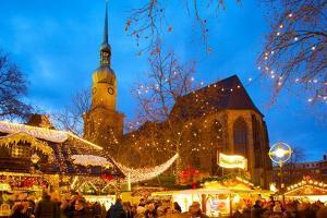 St. Reinoldi Church and Christmas Market at Dusk, Dortmund, North Rhine-Westphalia, Germany, Europe by Frank Fell