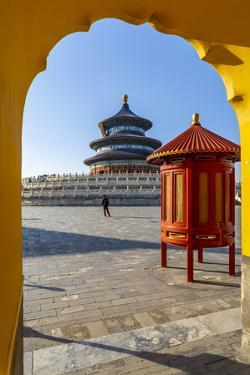 The Hall of Prayer for Good Harvests in the Temple of Heaven, Beijing by Frank Fell
