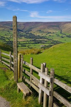 Vale of Edale, Peak District National Park, Derbyshire, England, United Kingdom, Europe by Frank Fell