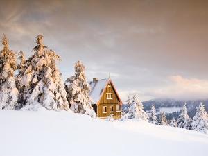 Cabin on Mount Fichtelberg by Frank Lukasseck