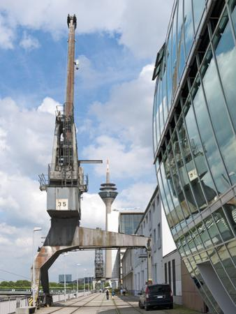 Old Harbor Crane in the Düsseldorf Media Harbor