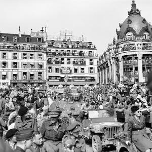 Allied Forces and French Civilians Celebrating the Liberation of Paris, Hotel De La Ville by Frank Scherschel