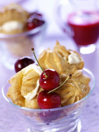 Cream Puff with Cherries