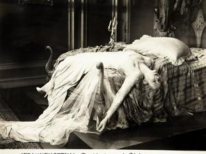 Frankenstein, Mae Clarke on lobbycard, 1931