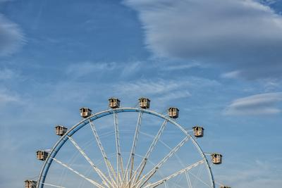 https://imgc.allpostersimages.com/img/posters/frankfurt-on-the-main-hesse-germany-ferris-wheel-at-the-frankfurt-spring-fair-dippemess_u-L-Q11YH9S0.jpg?p=0